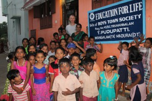 VOLUNTEER TIM KITELEY VISITED EFL PUDHUPATTI